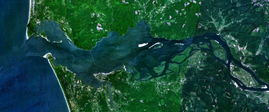 NASA satellite image - Mouth of the Columbia River